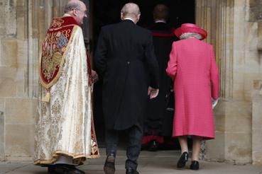 Esküvőre igyekszik 2019-ben Erzsébet királynő és elválaszthatatlan partnere, Fülöp herceg. Fülöp 2017-ben visszavonult, felhagyott nemesi kötelezettségeivel, de ez nem azt jelenti, hogy felhagyott a királynő kíséretével is.